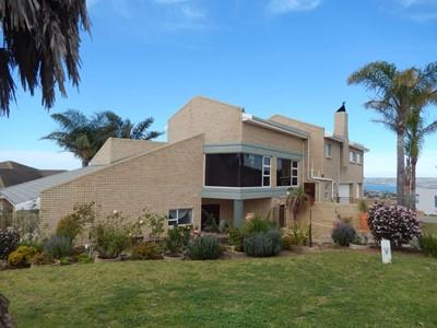 House for sale in Menkenkop, Mossel Bay