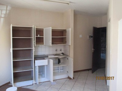 Bachelor Flat to rent in Willows, Bloemfontein