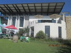 1 Bedroom Bachelor Flat To Rent in North Riding, Randburg