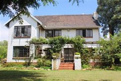 4 Bedroom Small Holding For Sale in President Park, Midrand