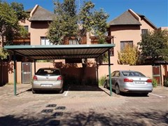 1 Bedroom Townhouse For Sale in Sunninghill, Sandton