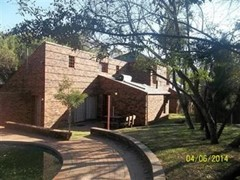 3 Bedroom Office For Sale in Halfway House, Midrand