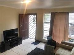 2 Bedroom Cluster To Rent in Fourways Gardens, Sandton