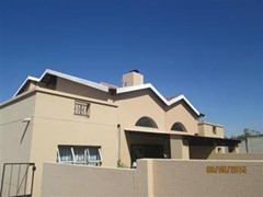 2 Bedroom Cluster For Sale in North Riding, Randburg
