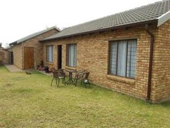 3 Bedroom Cluster For Sale in North Riding, Randburg