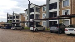 3 Bedroom Townhouse For Sale in North Riding, Randburg